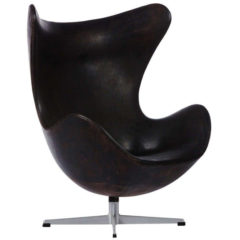 earliest production arne jacobsen leather egg chair at 1stdibs. Black Bedroom Furniture Sets. Home Design Ideas