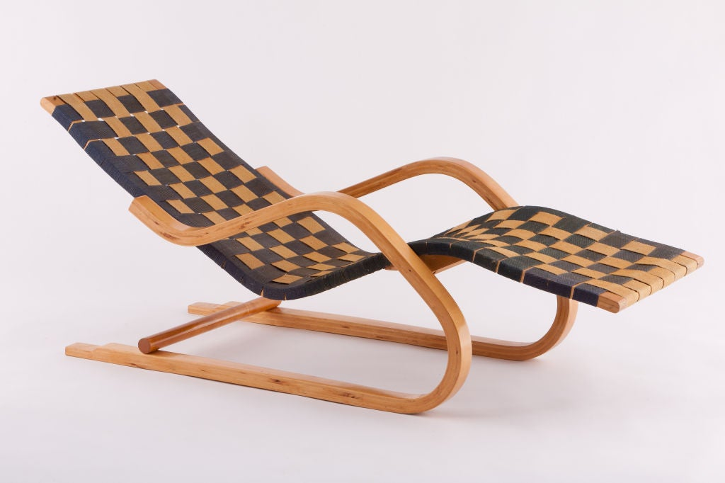 Early alvar aalto cantilevered chaise lounge at 1stdibs for Alvar aalto chaise longue