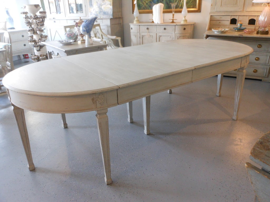 19th century antique swedish painted dining table at 1stdibs for Antique dining room tables
