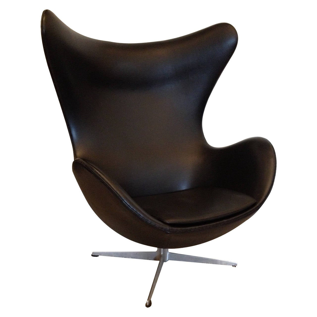 arne jacobsen vintage egg chair for fritz hansen at 1stdibs. Black Bedroom Furniture Sets. Home Design Ideas