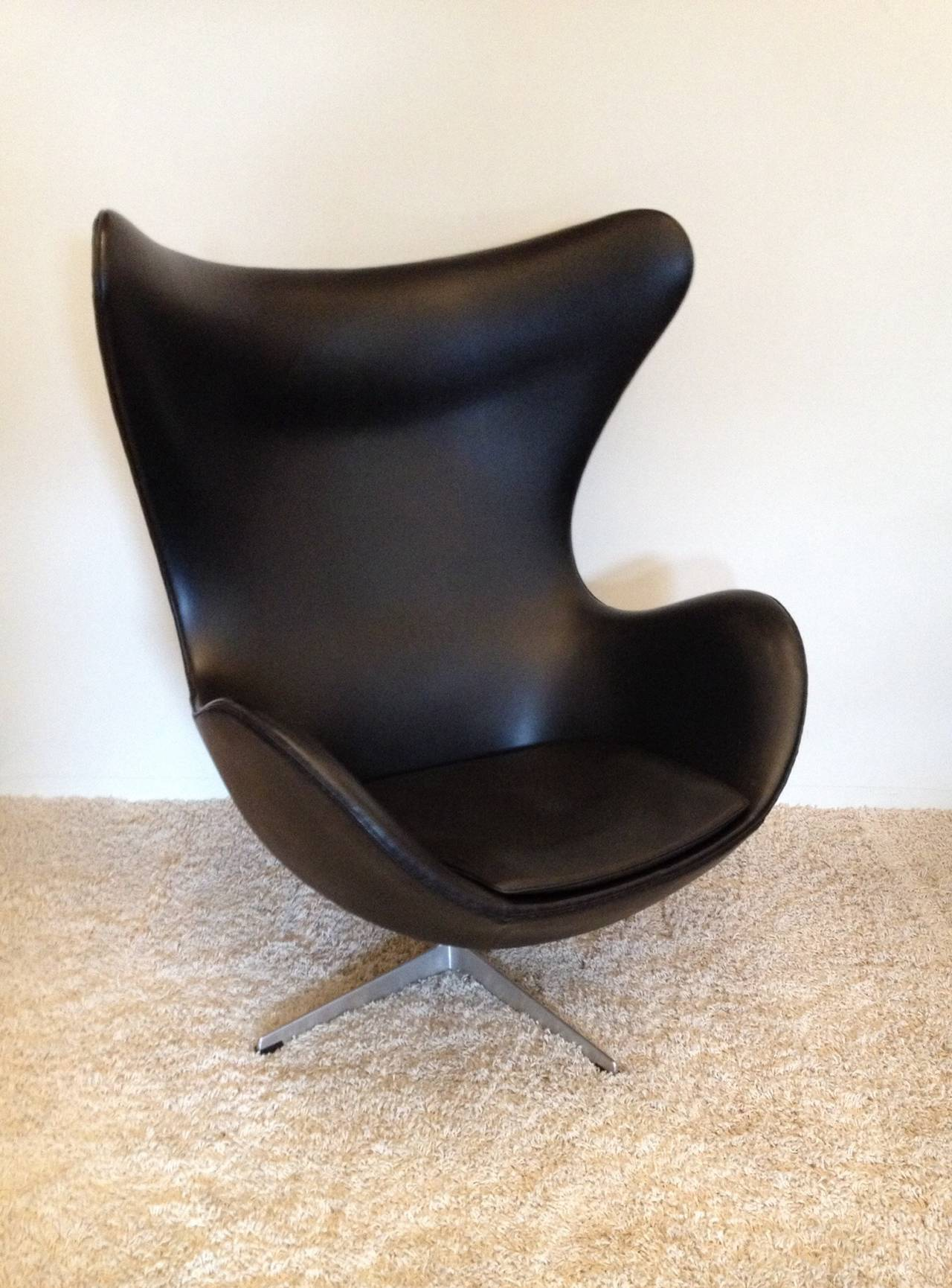 Mid Century Modern Arne Jacobsen Vintage Egg Chair For Fritz Hansen