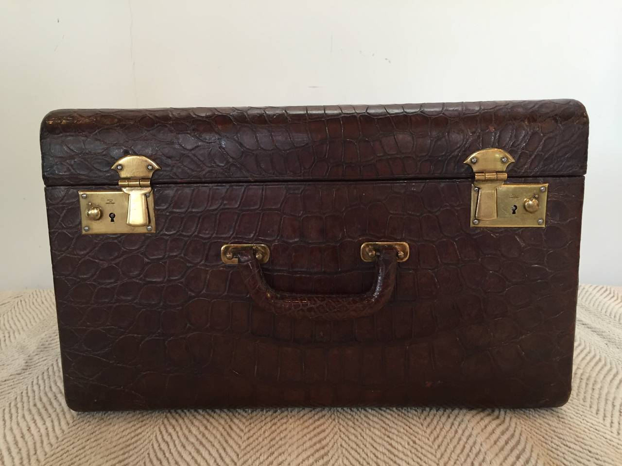20th Century Brown Alligator Travel Trunk For Sale