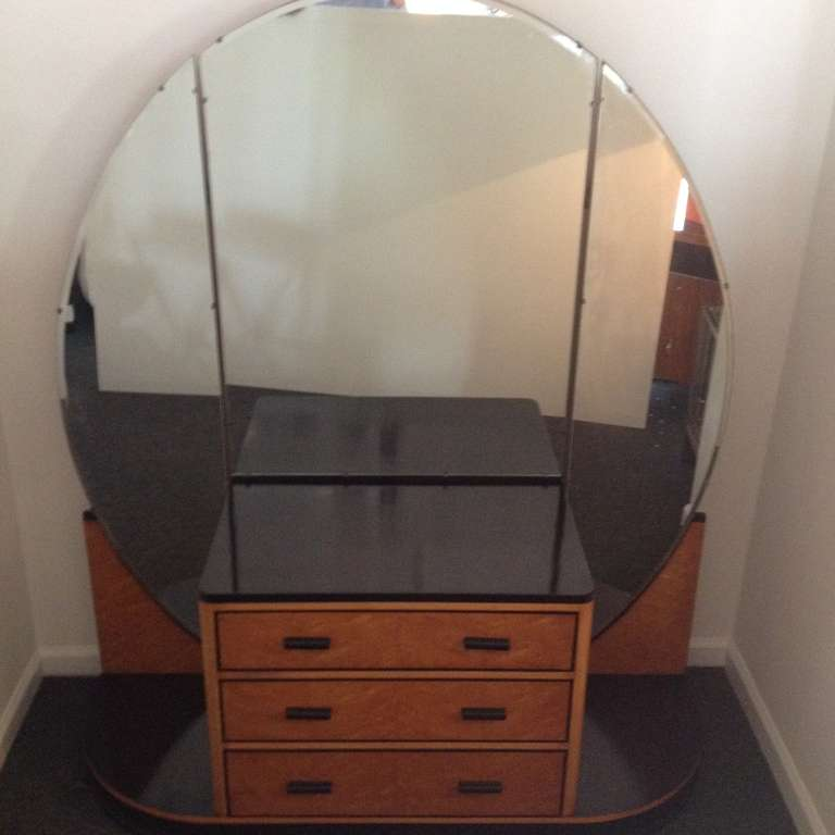 French Art Deco Elegant Vanity With Adjustable Mirrored