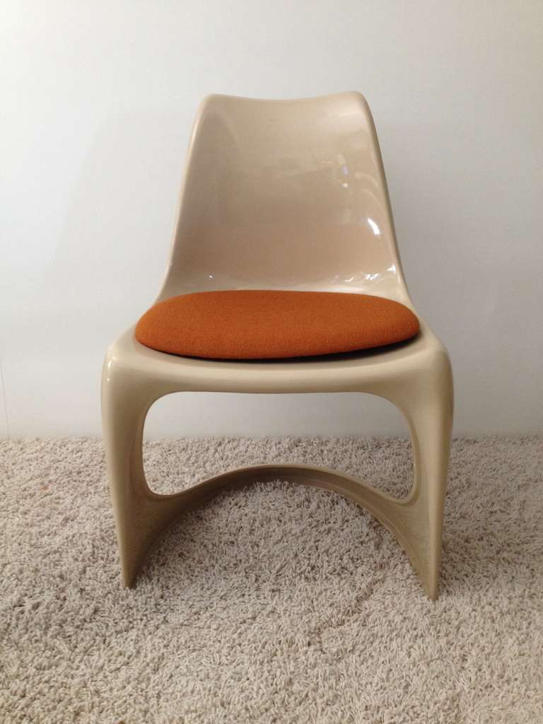 Mid-Century Modern Set of Four Molded Plastic Steen Ostergaard Cado Chairs For Sale