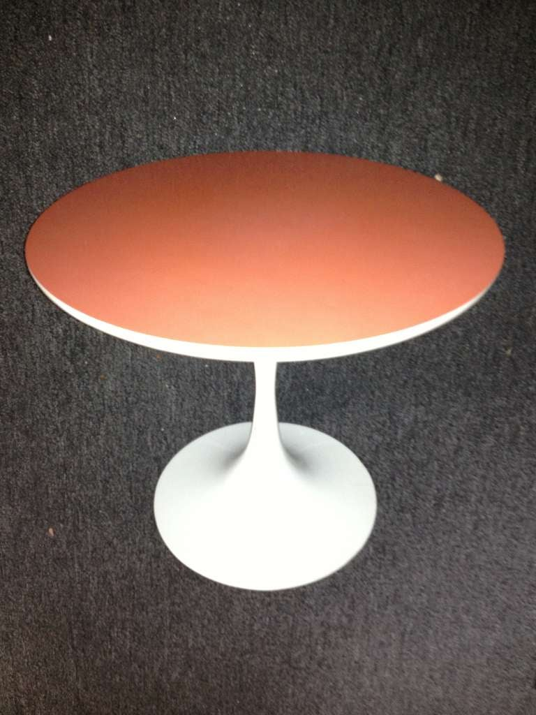 Mid-Century Modern Saarinen Style Tulip Small Table Orange Top For Sale