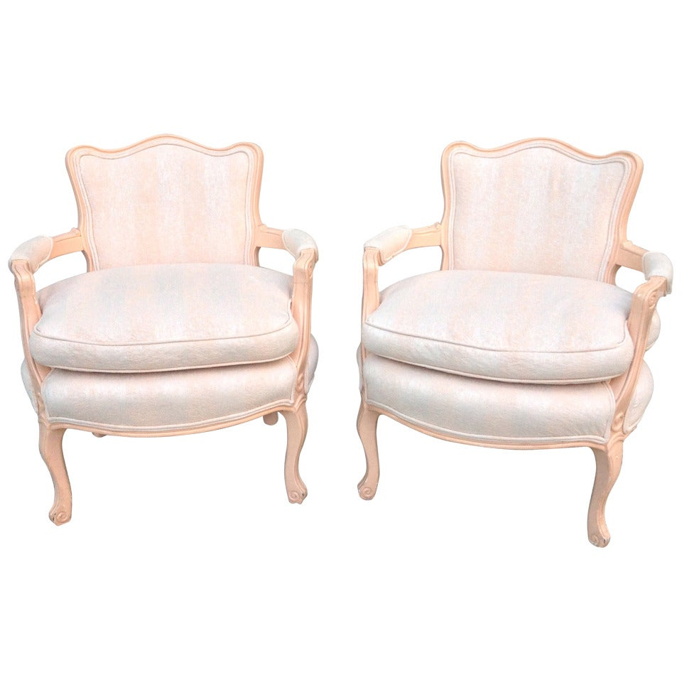 pair petite fauteuil louis xv chairs for sale at 1stdibs. Black Bedroom Furniture Sets. Home Design Ideas