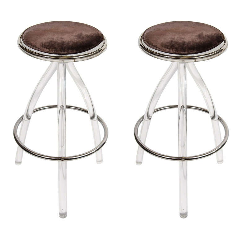 Pair of Ultra Modernist Lucite Bar/Counter Stools at 1stdibs