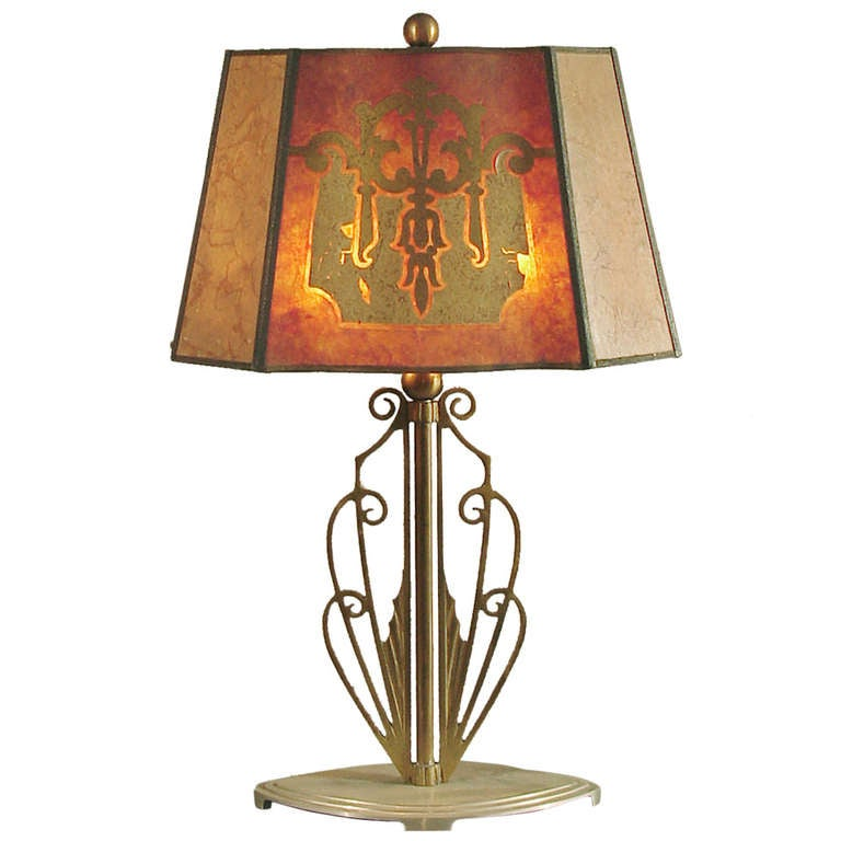 a fine american art deco table lamp with mica shade at 1stdibs. Black Bedroom Furniture Sets. Home Design Ideas