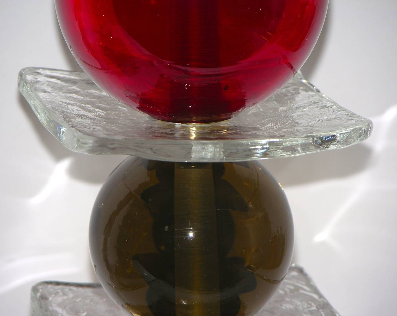 Italian Pair of Tulip Red Murano Glass Lamps, 1970s In Excellent Condition For Sale In New York, NY