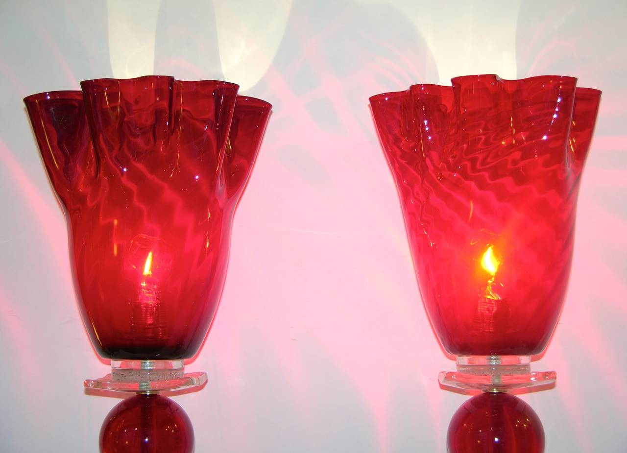 Italian Pair of Tulip Red Murano Glass Lamps, 1970s For Sale 1