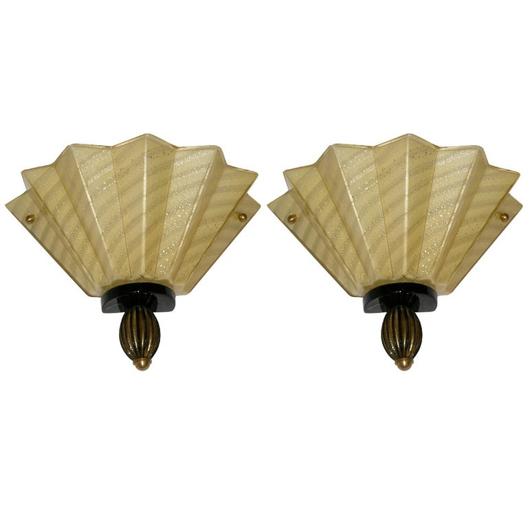 1950s Aureliano Toso Pair of Gold Fan-Shaped Murano Glass Sconces For Sale