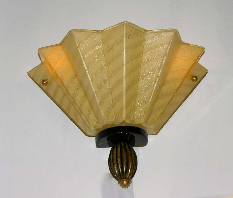 Mid-20th Century 1950s Aureliano Toso Pair of Gold Fan-Shaped Murano Glass Sconces For Sale