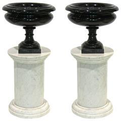 Italian Rare Pair of Late Art Deco Black and White Urns on Carrara Columns