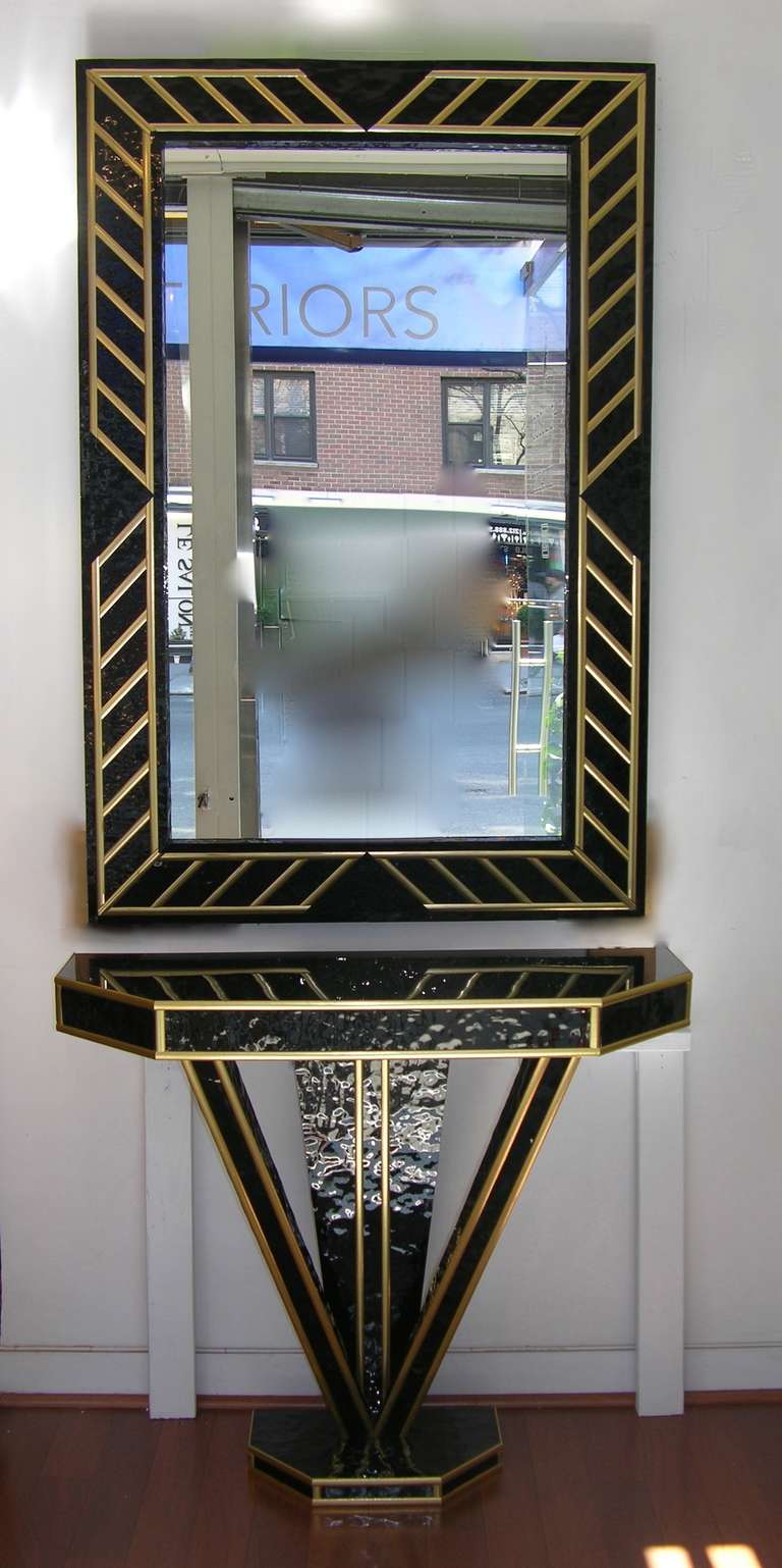1970s Italian Pair of Art Deco Design Black Glass and Gilt Mirrors In Excellent Condition For Sale In New York, NY