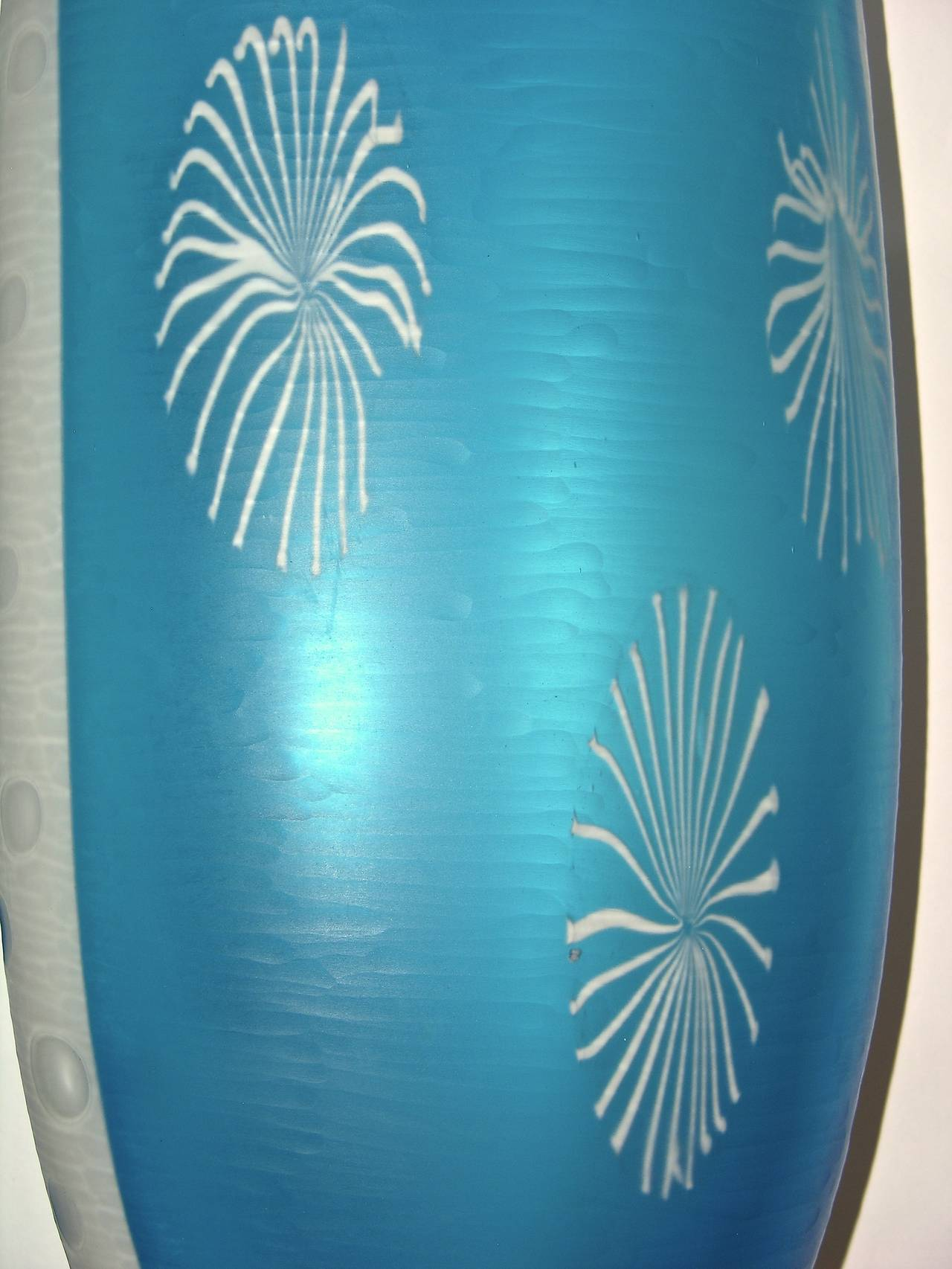 Dona Contemporary Italia Turquoise & White Textured Murano Glass Tall Vase For Sale 4