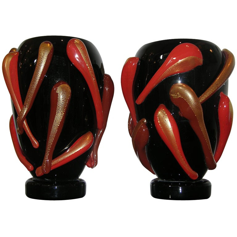 Superb vintage pair of italian murano glass vases at 1stdibs for Retro italian xxx