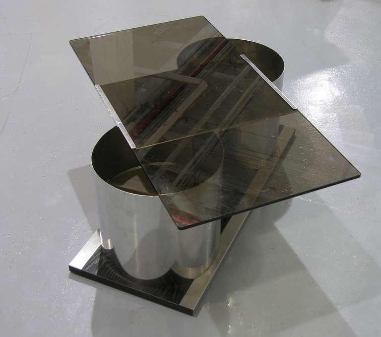 Mid-Century Modern 1970s Italian Smoked Glass Coffee Table with Dry Bar For Sale