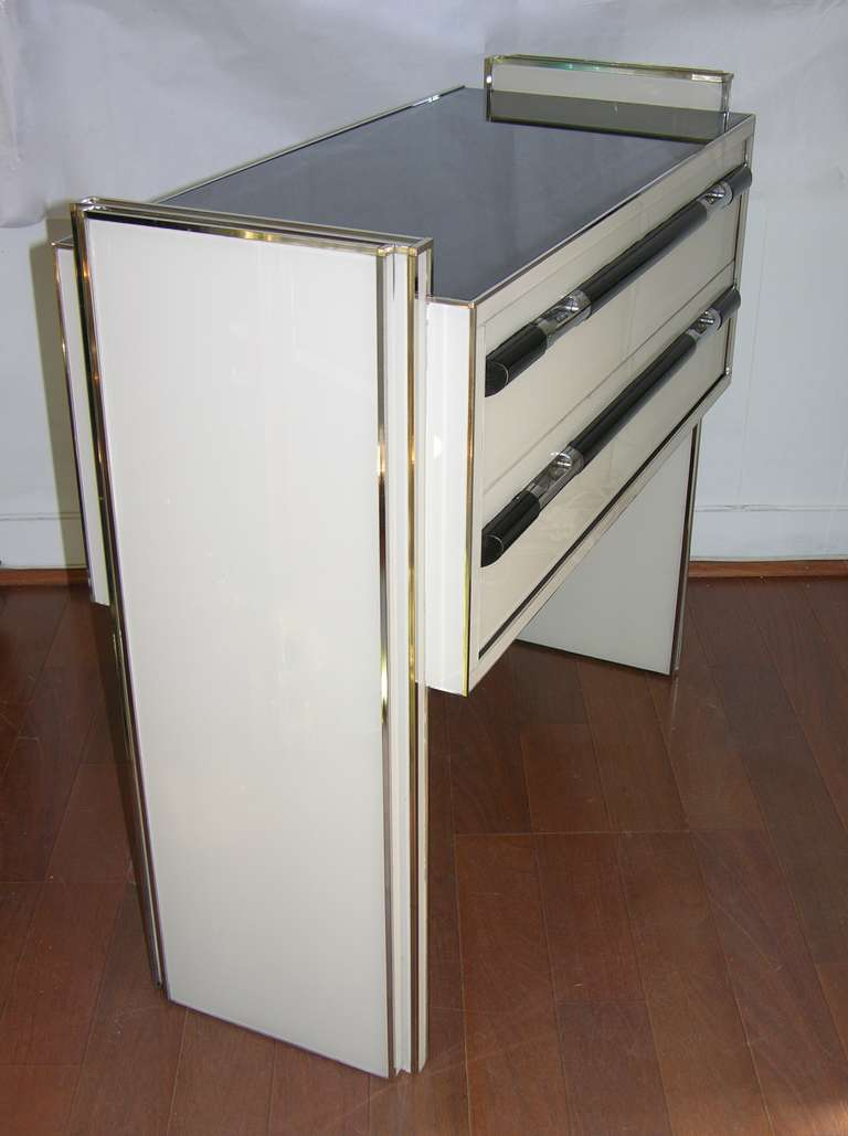 1970s Italian Design Floating Ivory White and Black Chest or Side Table/Console In Excellent Condition For Sale In New York, NY
