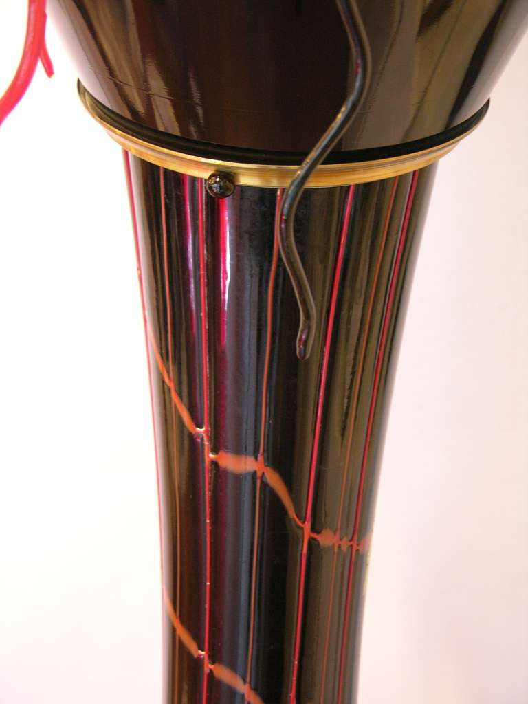 Brass 1980s Italian Modern Black and Red Murano Glass Pair of Fountain Floor Lamps For Sale