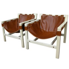 1970s Italian Design Pair of Safari Brown Leather and White Lacquered Chairs
