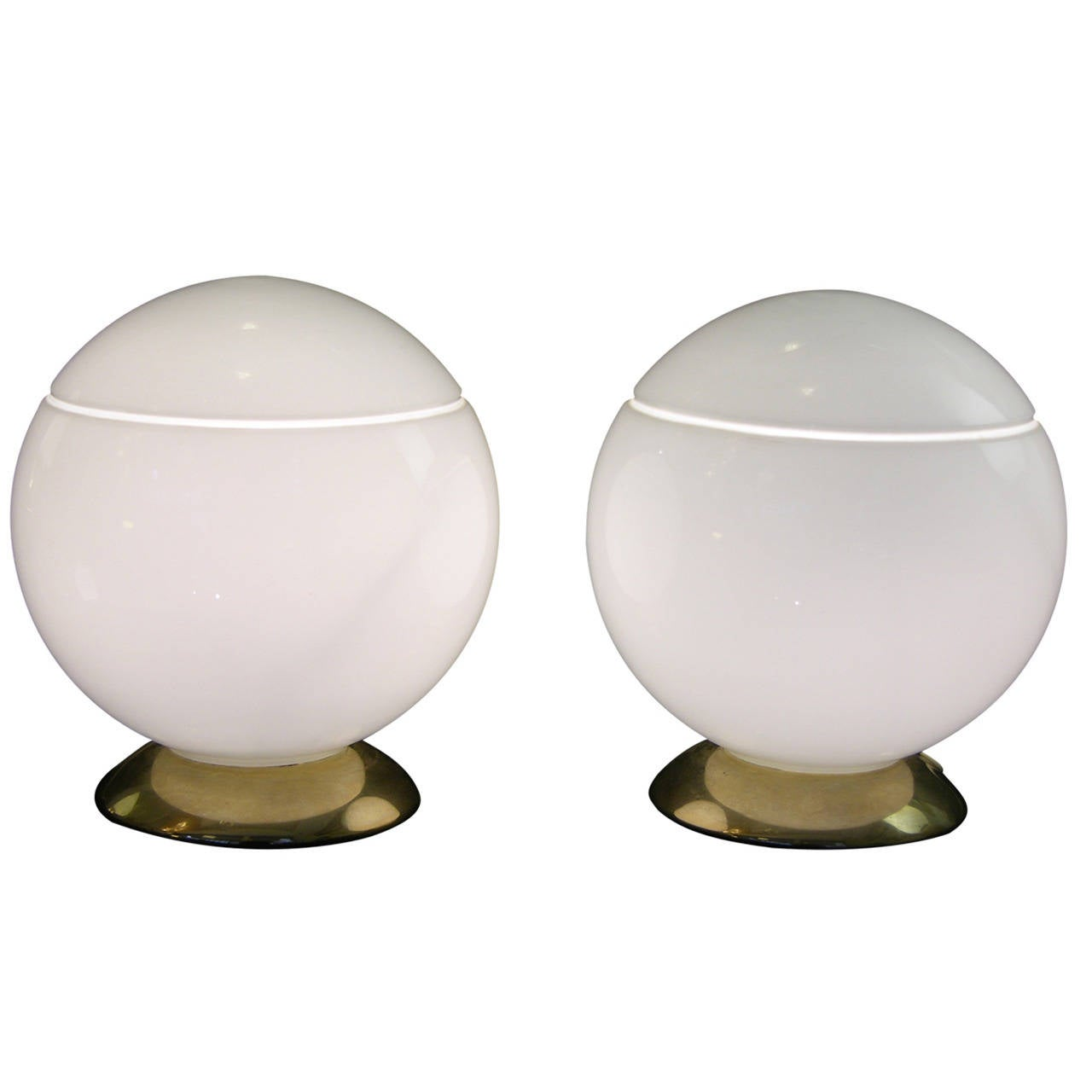 1950s Italian Pair Of Round Silk White Murano Glass Lamps By Res At 1stdibs