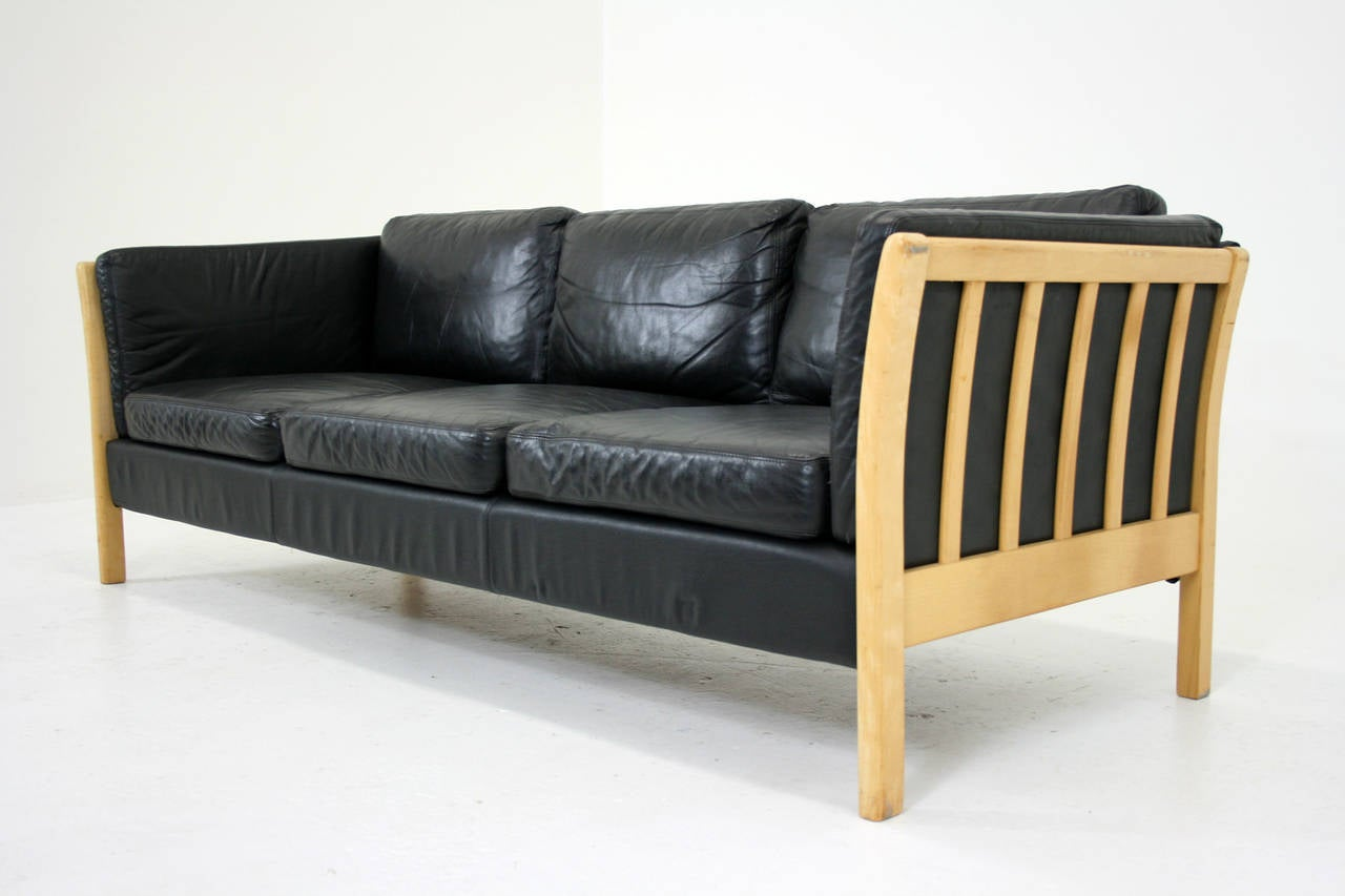 Danish Mid-Century Modern Leather And Beech Wood Love Seat Couch 2