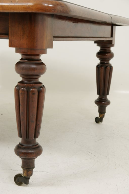 Victorian Mahogany Dining Table and Two (2) Leaves 3