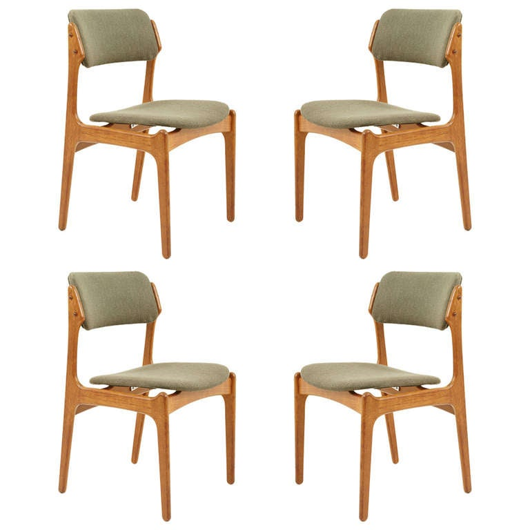 Beautiful set of four teak dining chairs by erik buck 302 for Beautiful dining furniture