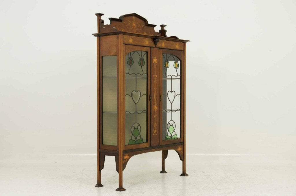 Early 20th Century Mahogany Art Nouveau Display, China Cabinet For Sale 3