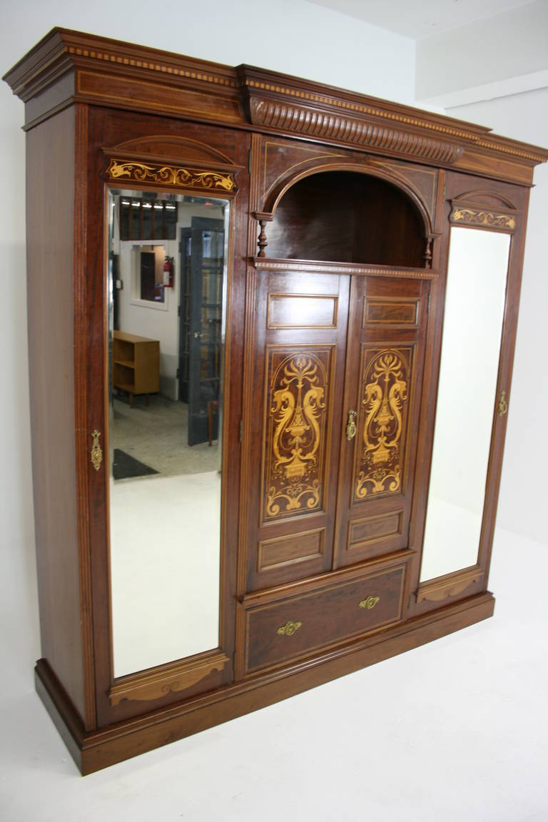 Beau Antique English Neoclassical Inlaid Mahogany Armoire Or Wardrobe, 1890 In  Excellent Condition For Sale In