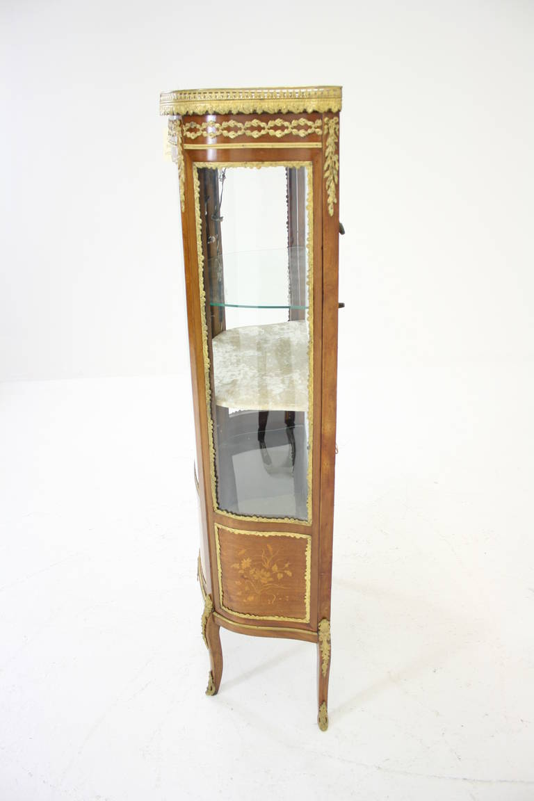 antique french ormolu inlaid marquetry vitrine china. Black Bedroom Furniture Sets. Home Design Ideas