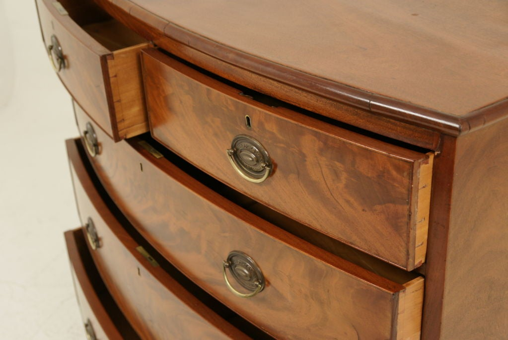 Victorian Mahogany Bow Front Chest Of Drawers 5