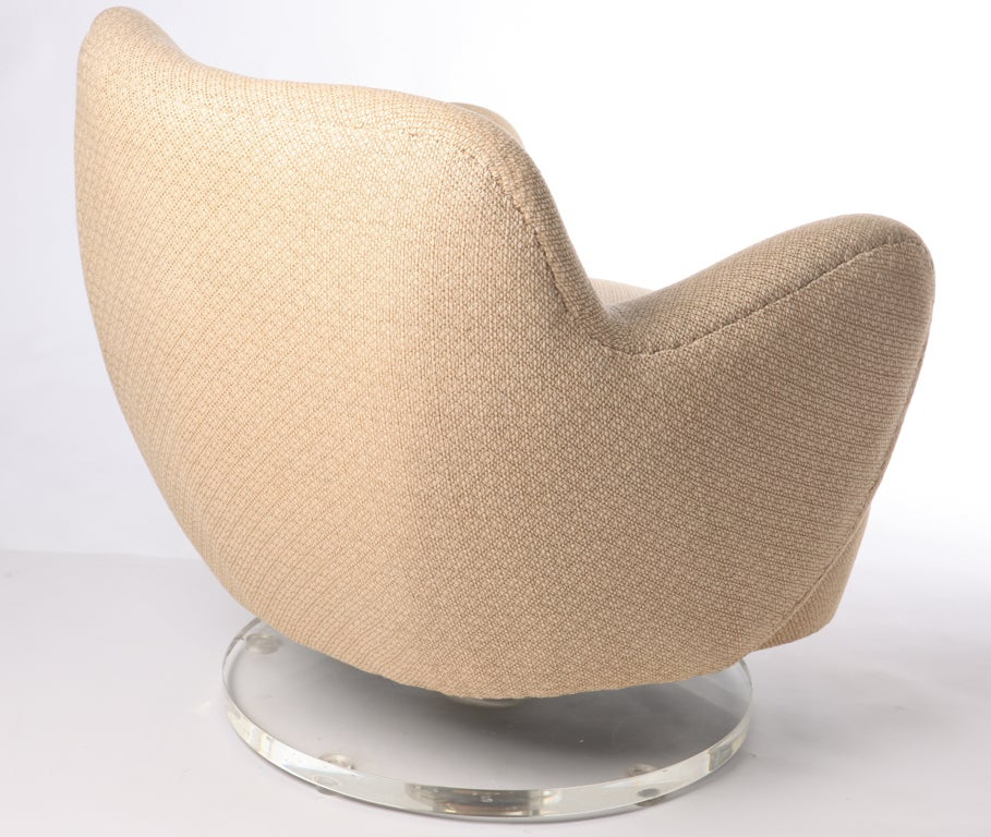 Vladimir Kagan Swivel Club Chair With Lucite Base At 1stdibs