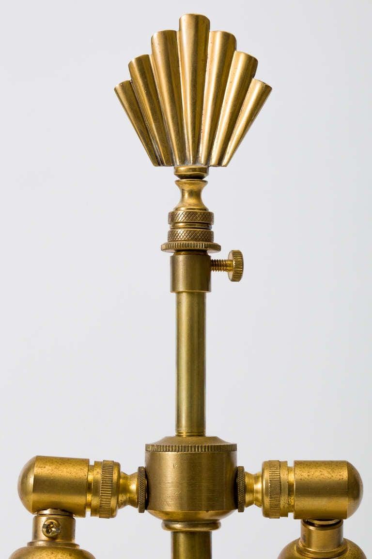 fluted brass pineapple urn lamp at 1stdibs. Black Bedroom Furniture Sets. Home Design Ideas