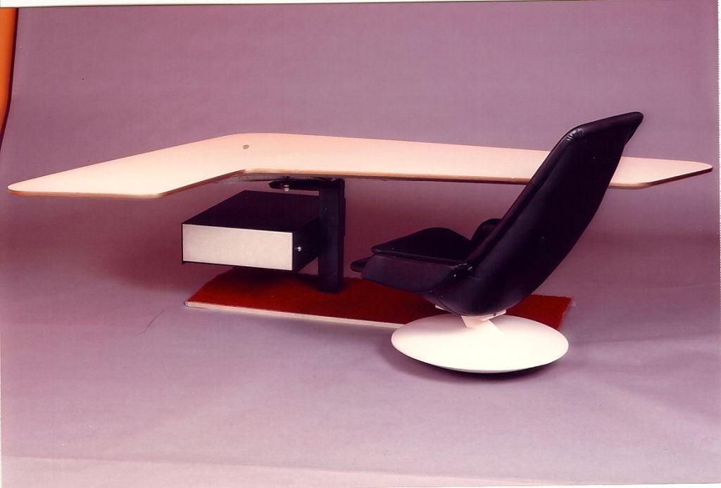 Steel Boomerang Desk and Gemini Chair, France, 1970s For Sale