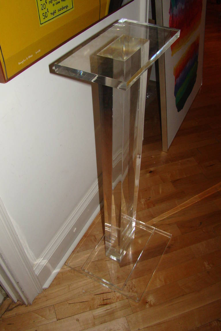 Thick Lucite Modern Pedestal Sculpture Stand Table At 1stdibs