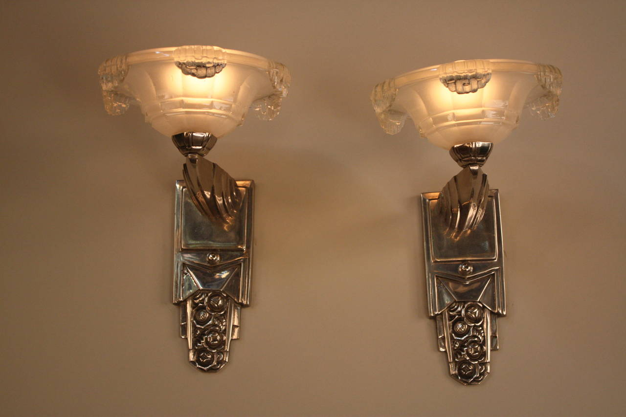 French Art Deco Wall Sconces : Pair of French Art Deco Wall Sconces at 1stdibs