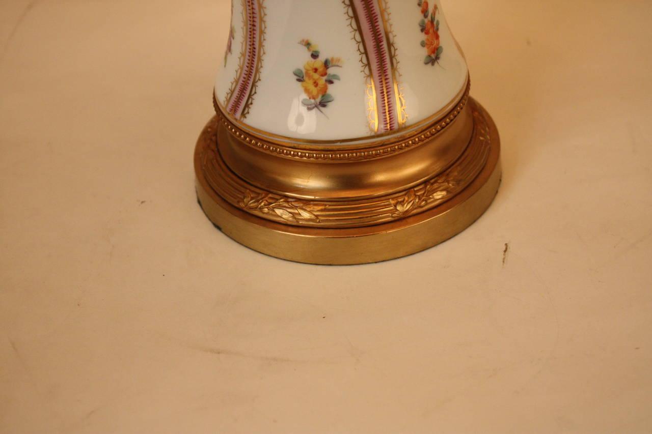 Table lamp by porcelaine de paris at 1stdibs - Porcelaine de table ...