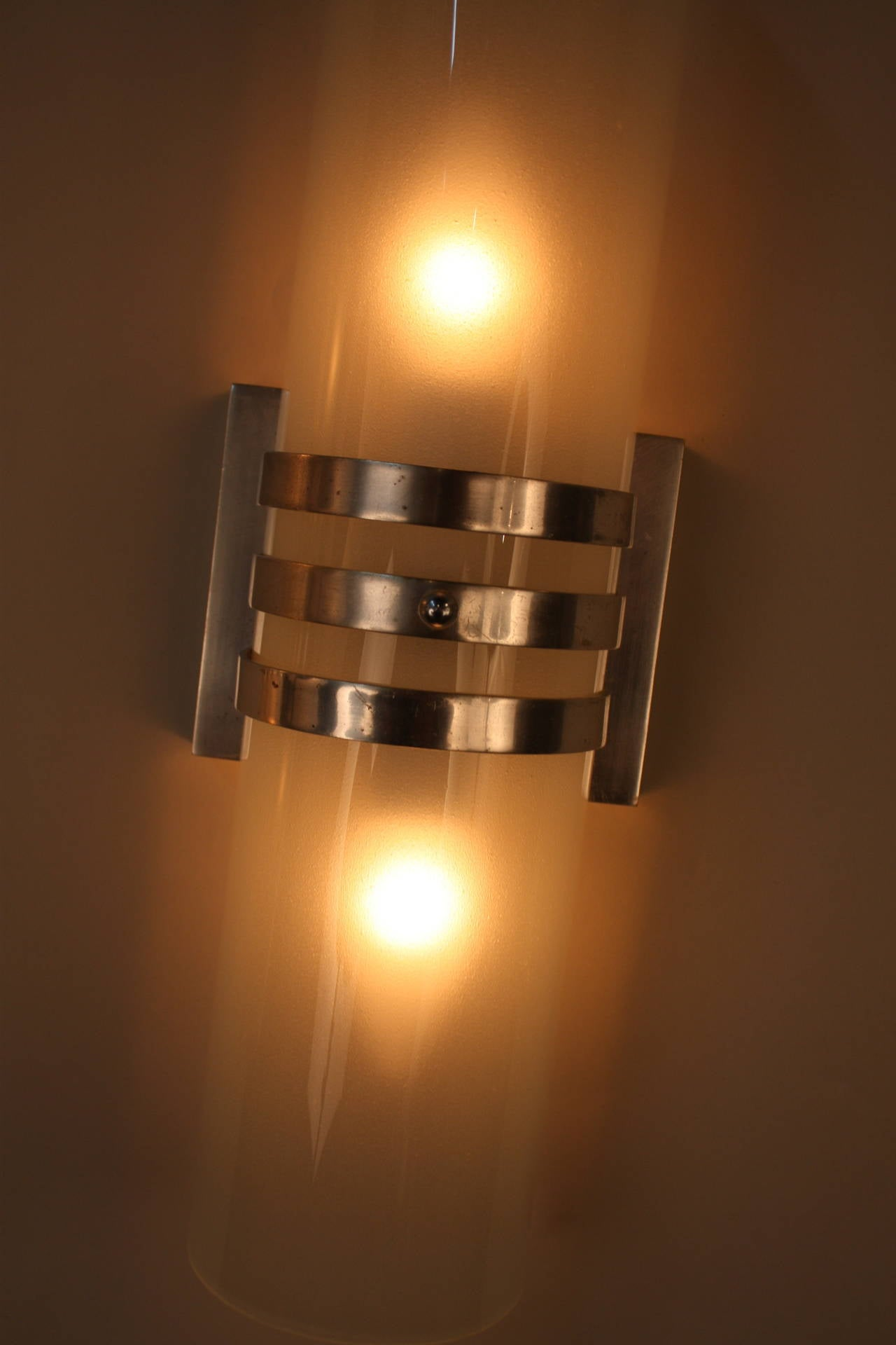 Wall Sconces Deco : Classic Art Deco Wall Sconces at 1stdibs