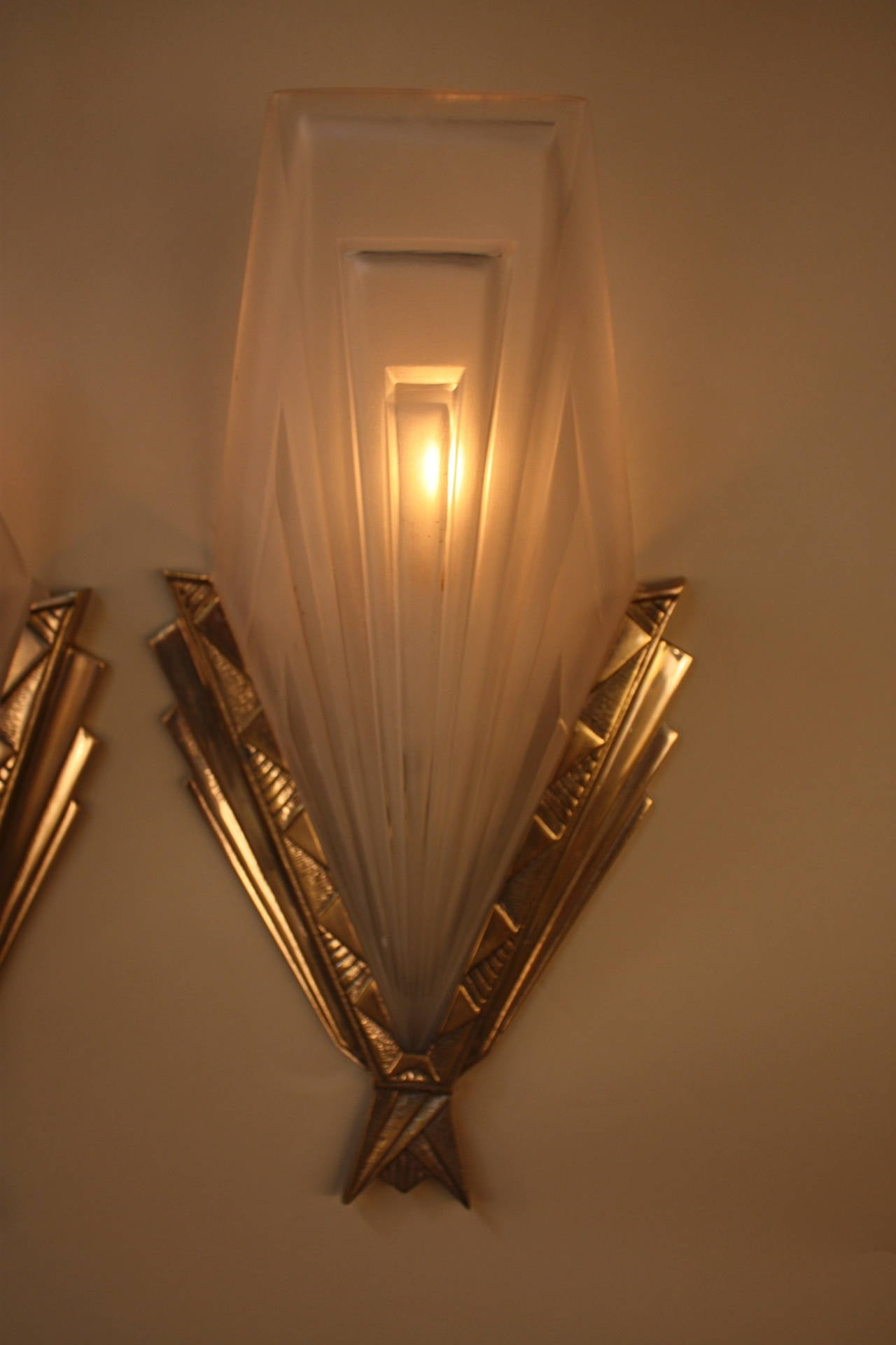 Wall Sconces Deco : French Art Deco Wall Sconces by Degue at 1stdibs