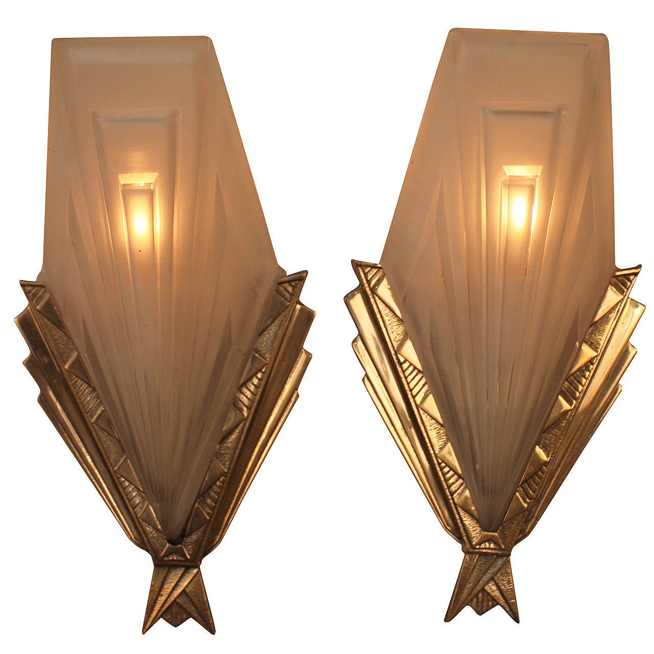 Wall Sconces Art Deco : French Art Deco Wall Sconces by Degue at 1stdibs