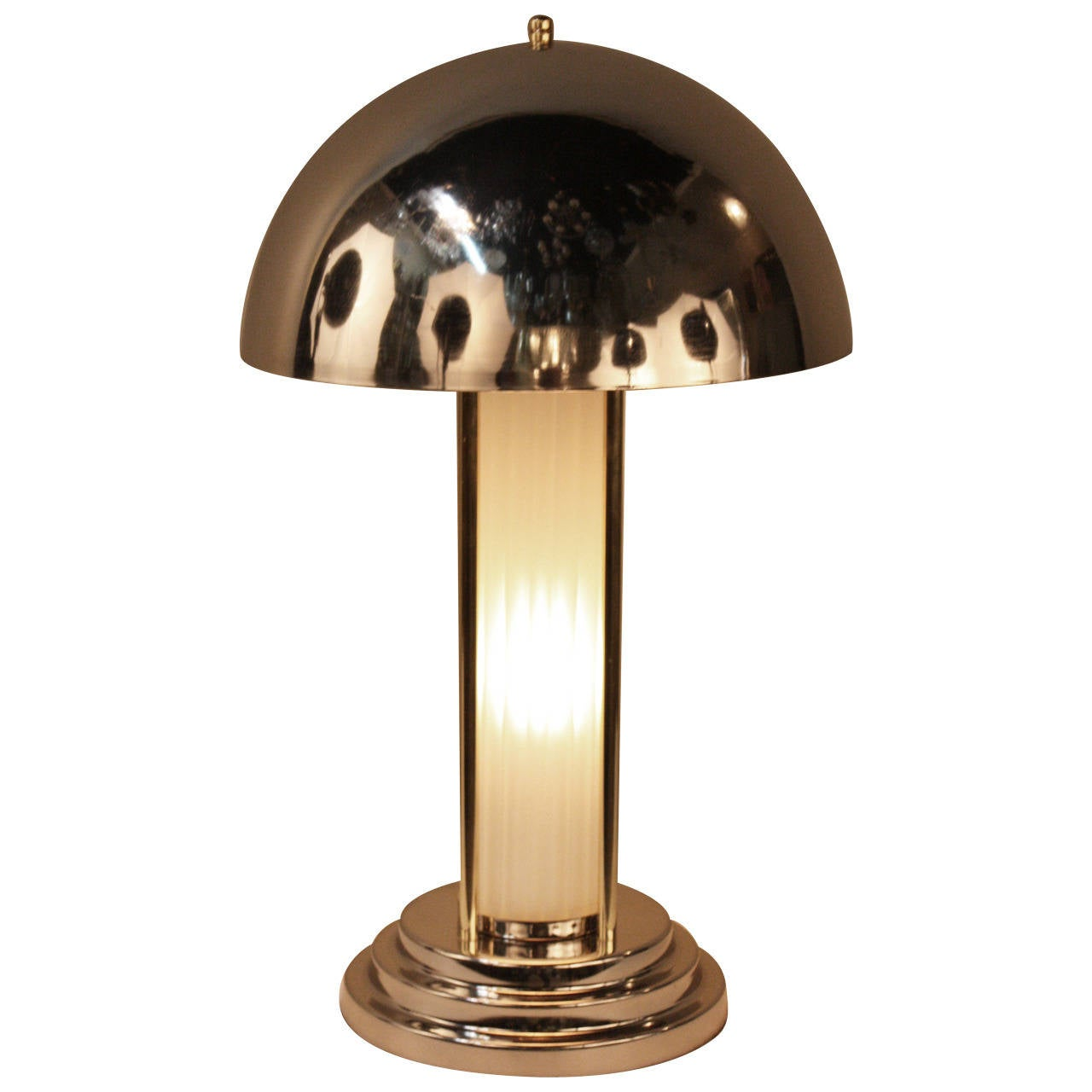 French art deco table lamp at 1stdibs for Art deco style lamp