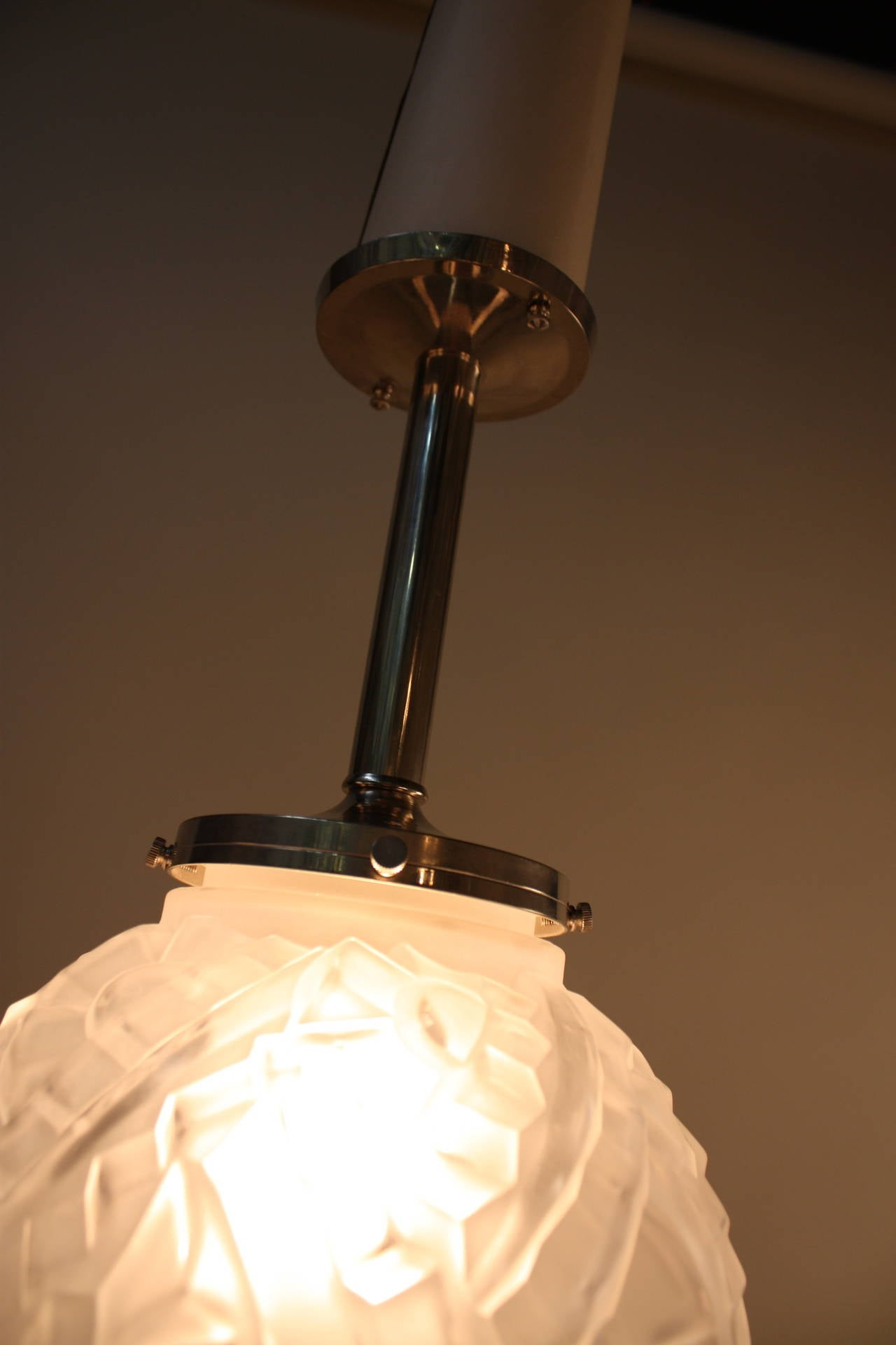 7221ee7ee497 French Art Deco Pendant Light For Sale at 1stdibs