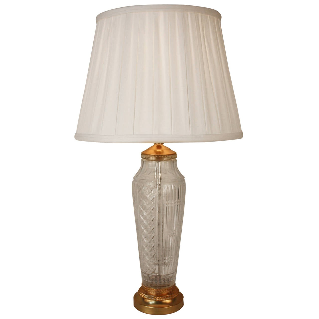 hand cut french crystal bronze base table lamp for sale at 1stdibs. Black Bedroom Furniture Sets. Home Design Ideas