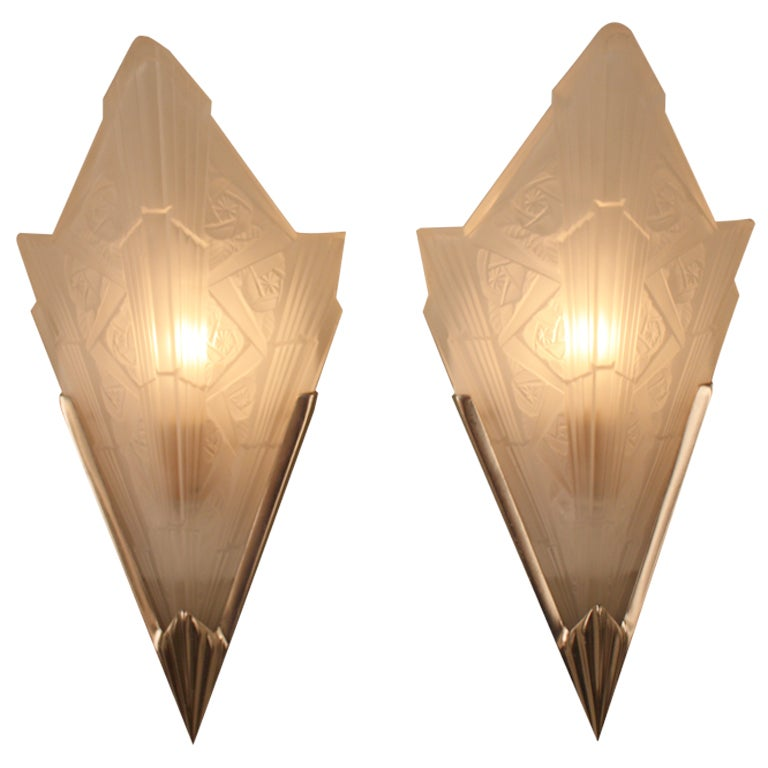 Wall Sconces Art Deco : Art Deco Wall Sconces at 1stdibs