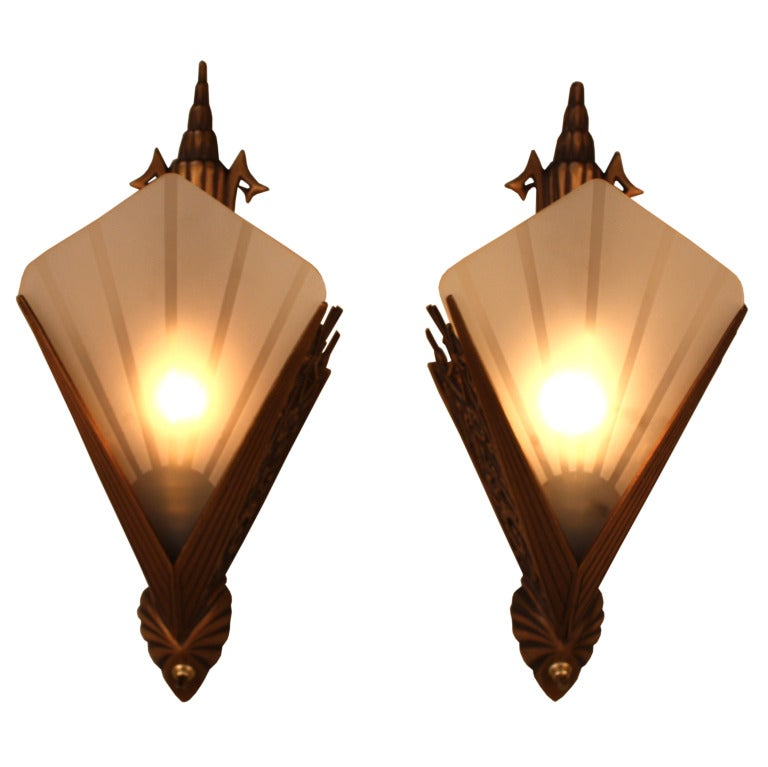 Wall Sconces Art Deco : American Art Deco Wall Sconces at 1stdibs