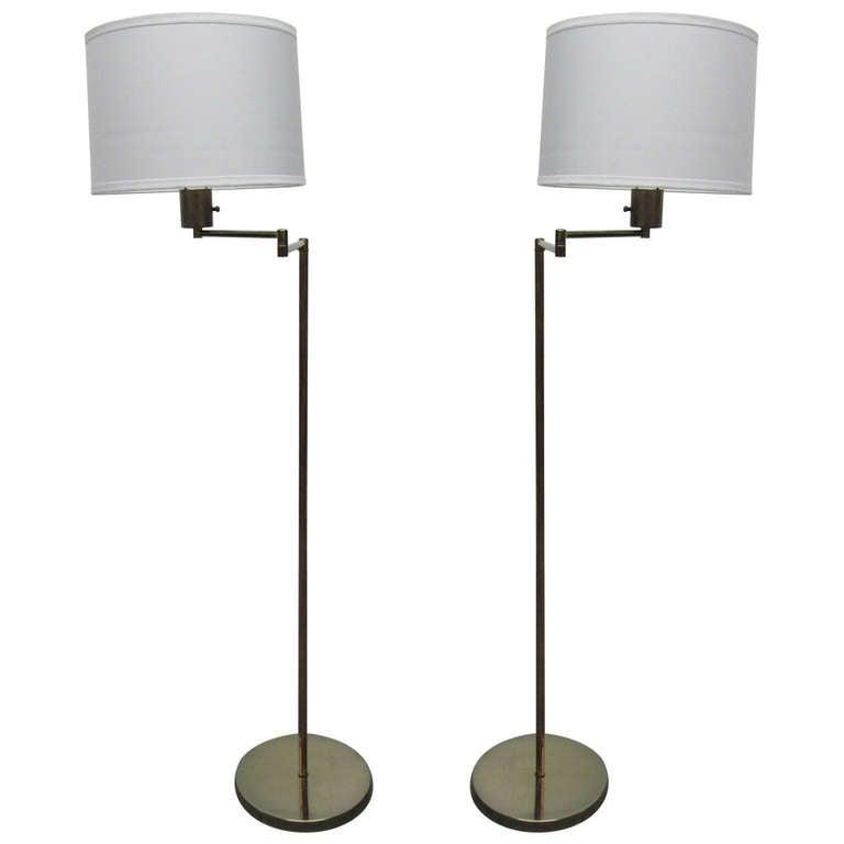 1025268. Black Bedroom Furniture Sets. Home Design Ideas