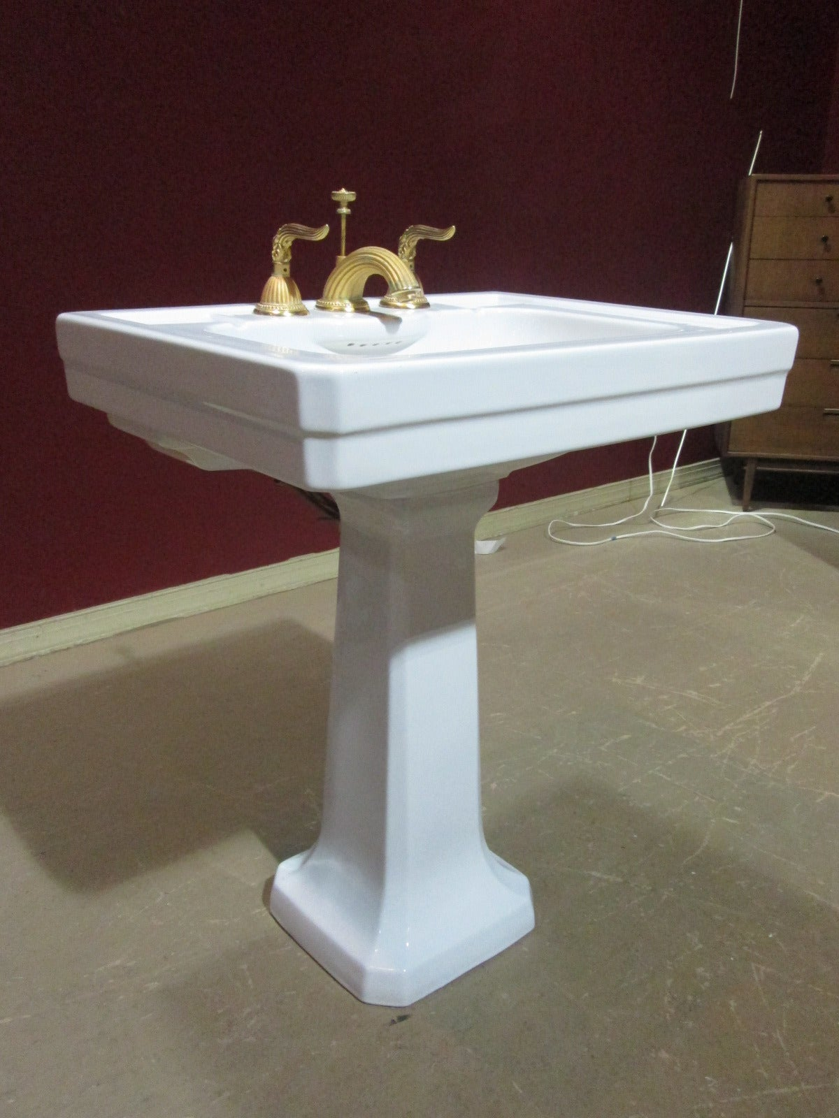 Italian Pedestal Porcelain Sink with Gold Fixtures For Sale at 1stdibs
