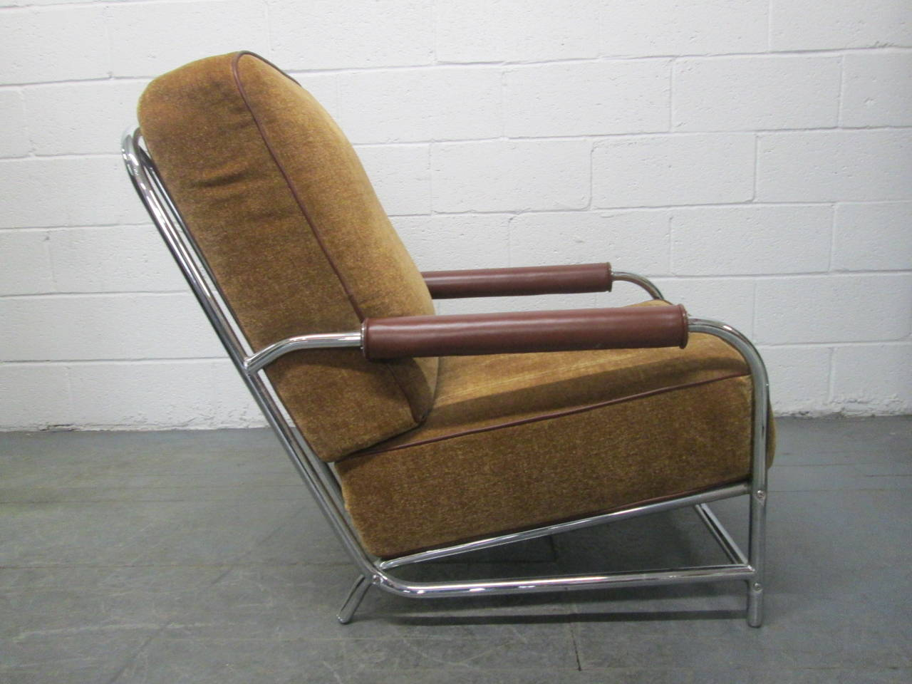 streamline chrome lounge chair after gilbert rohde for sale at 1stdibs