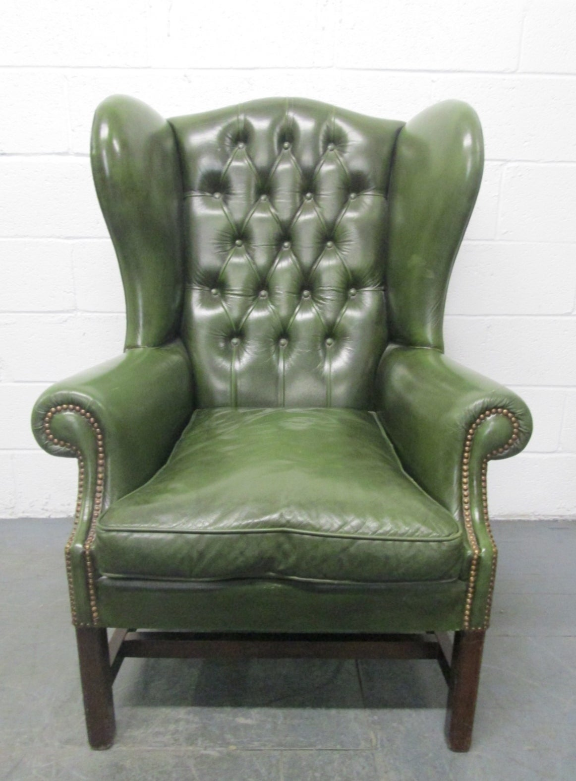 Antique leather armchair - Vintage Green Leather Tufted Wingback Chair 2